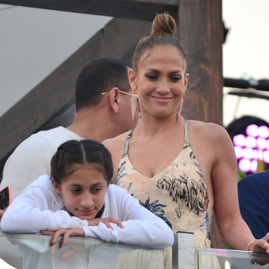 Jennifer Lopez con su hija Emme, enero 2020