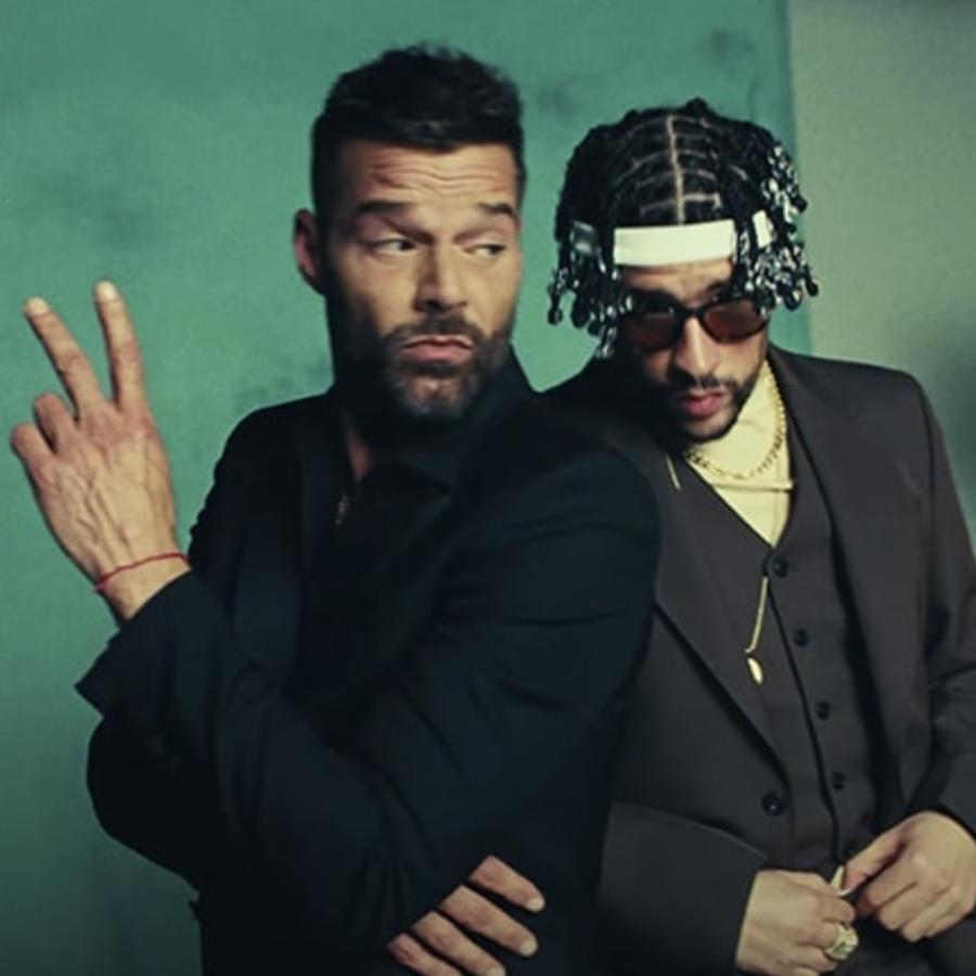 Ricky Martin con Bad Bunny en el video 'Yo visto así'