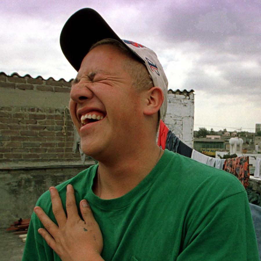 Una persona risueña retratada en Ciudad de México.