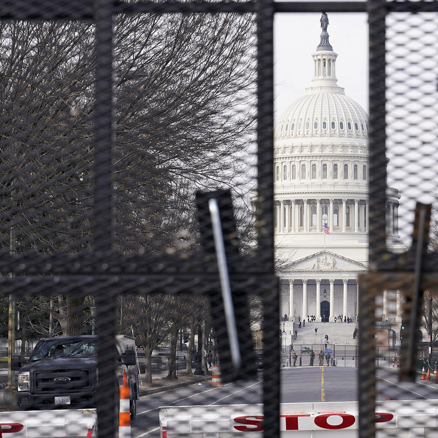 El Capitolio, vallado para la toma de posesión del presidente electo, Joe Biden.