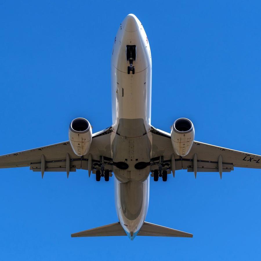 Desde 1947 hasta febrero de 2020, 128 personas de todo el mundo pretendieron ir de polizón en las ruedas de un avión.