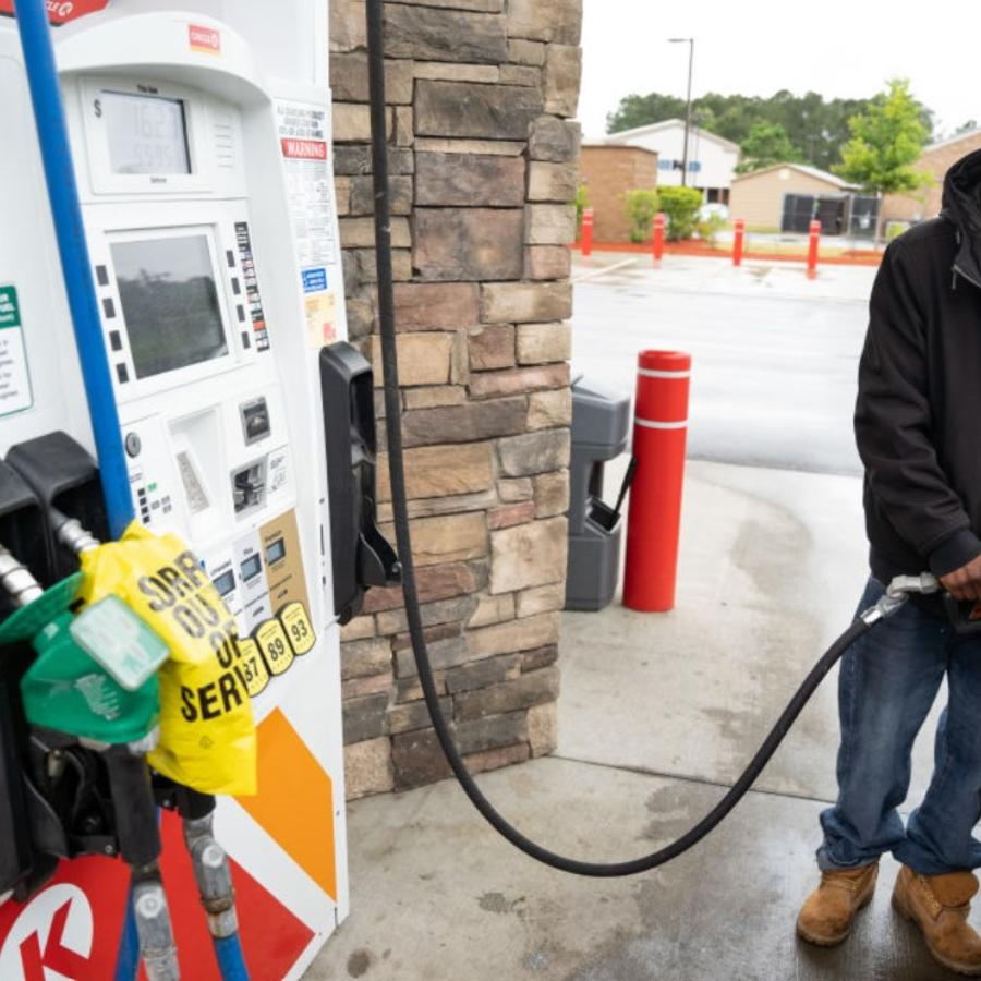 Gasolinera en Fayetteville, Carolina del Norte