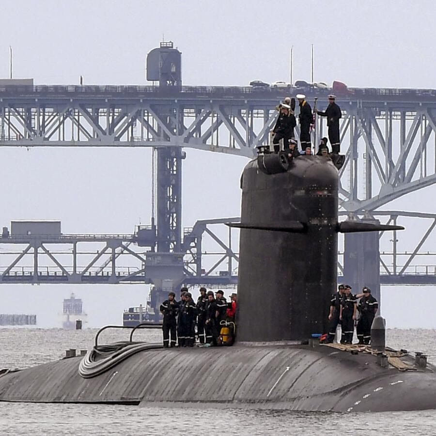 Un submarino francés se prepara para llegar a una base en London a principios de septiembre. Francia tenía un programa de submarinos con el Reino Unido y Australia desde 2016.