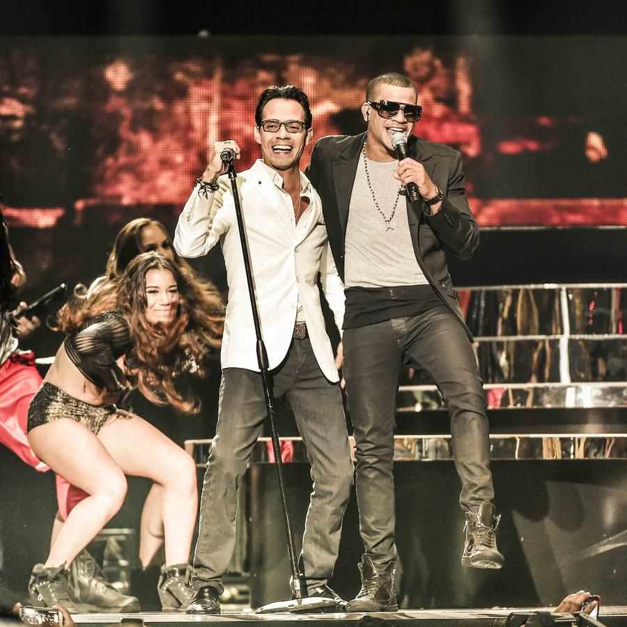 Marc Anthony y Gente de Zona en Premios Billboard 2015