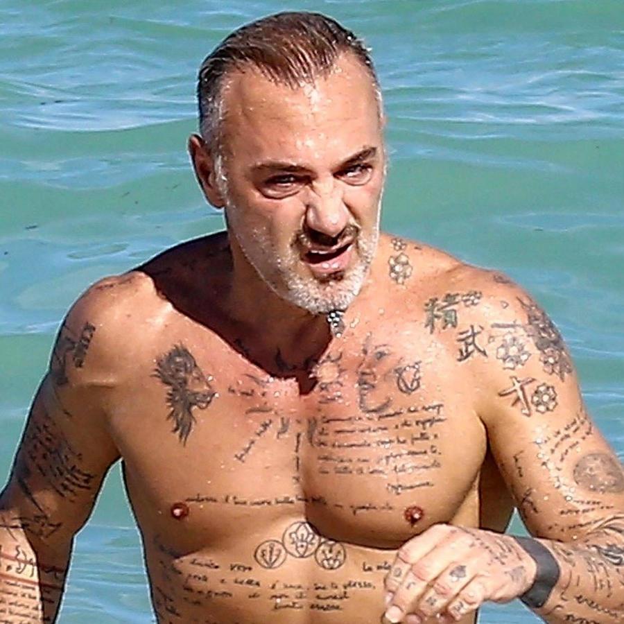 Gianluca Vacchi en el mar