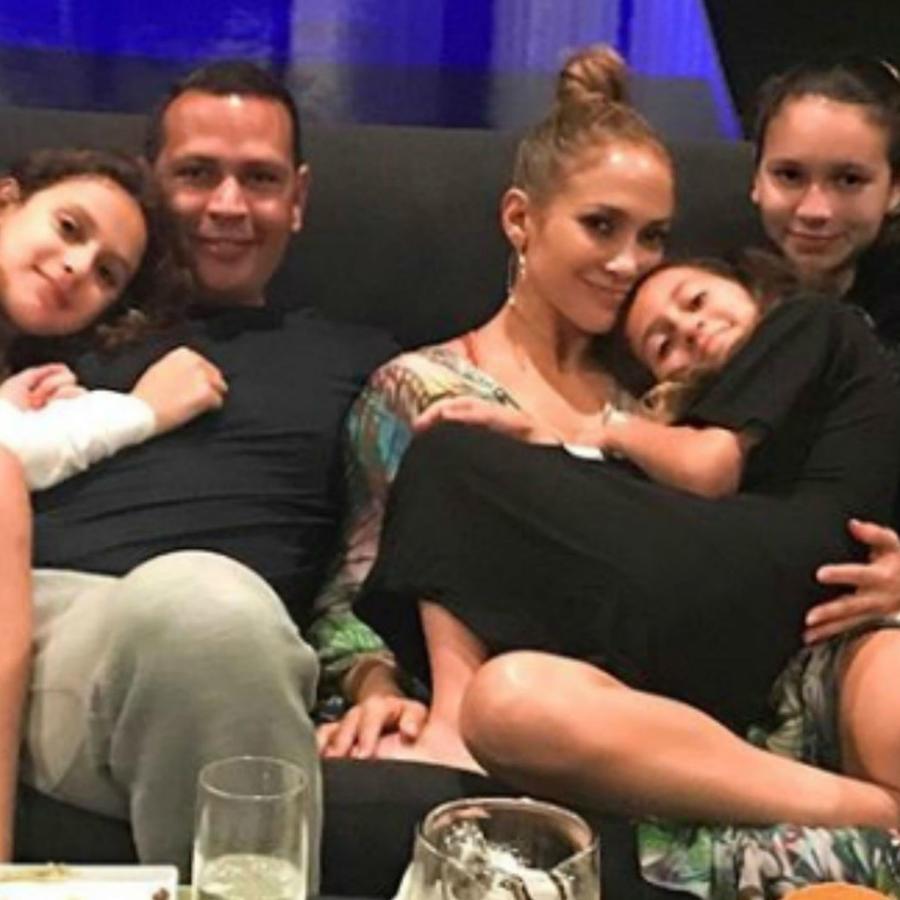 Jennifer Lopez con su familia