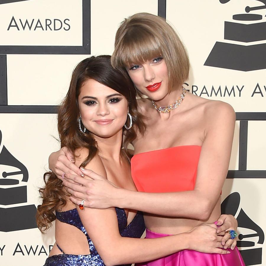 Taylor Swift y Selena Gomez en los Grammys 2016
