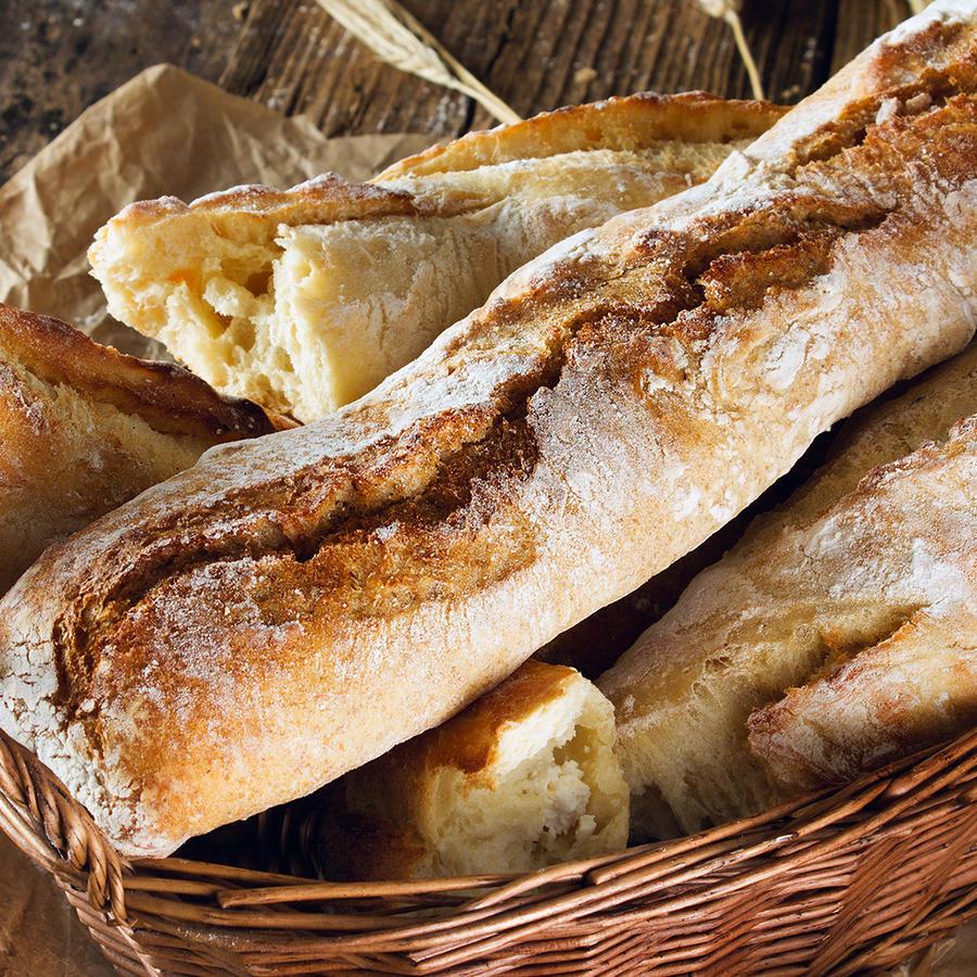 Pan en canasta