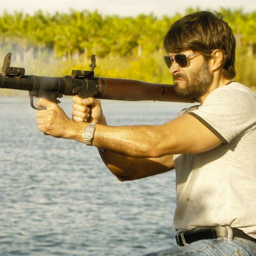 Juan Pablo Llano, Ignacio Elizondo,disparando, Dueños del Paraíso
