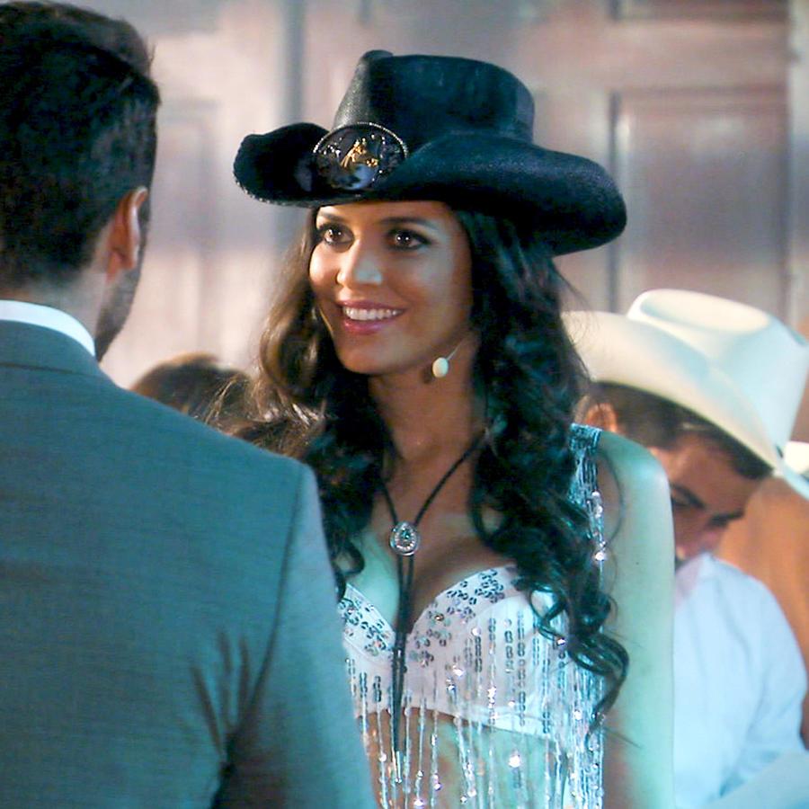 Candelita con sombrerdo en Tierra de Reyes