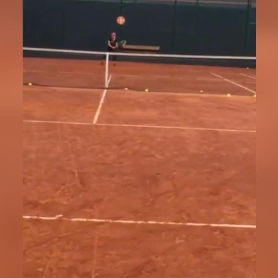 shakira jugando tenis