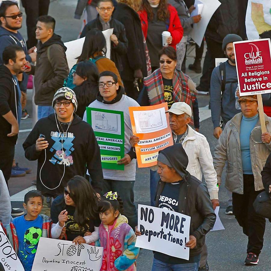 inmigrantes protestan