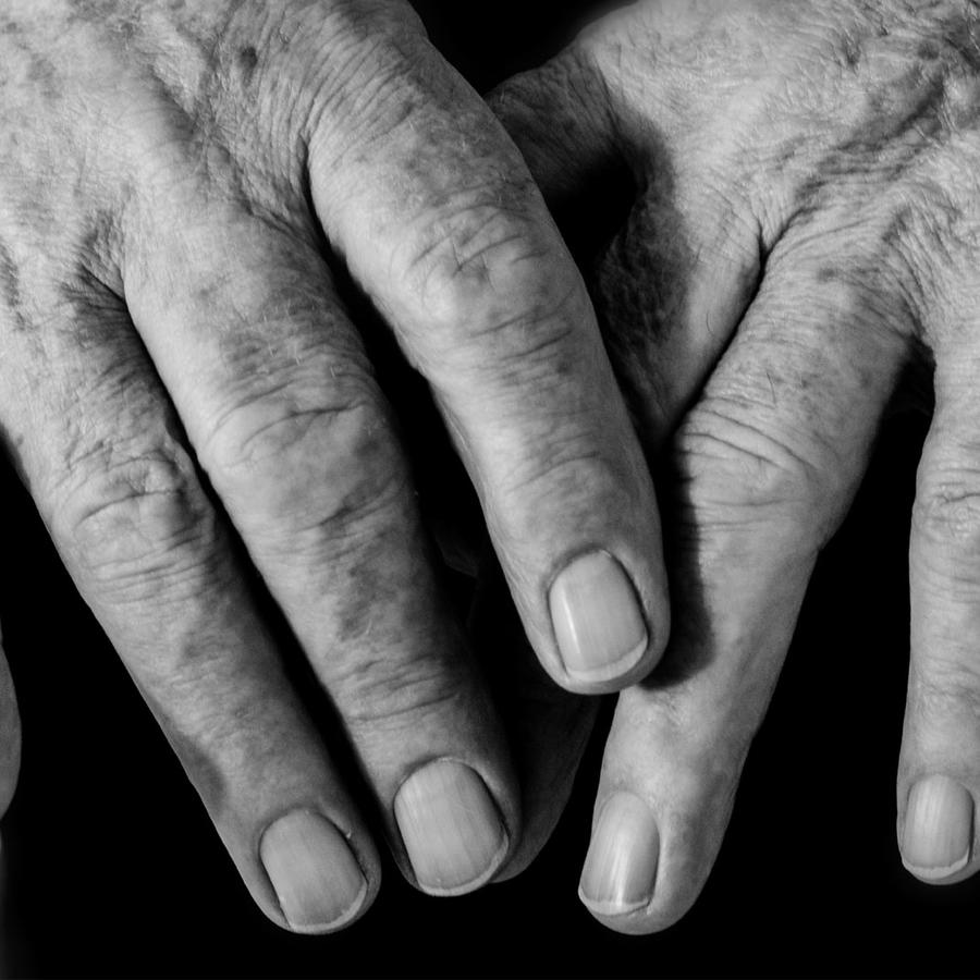 manos de anciano