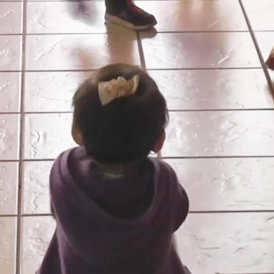 niña en guarderia