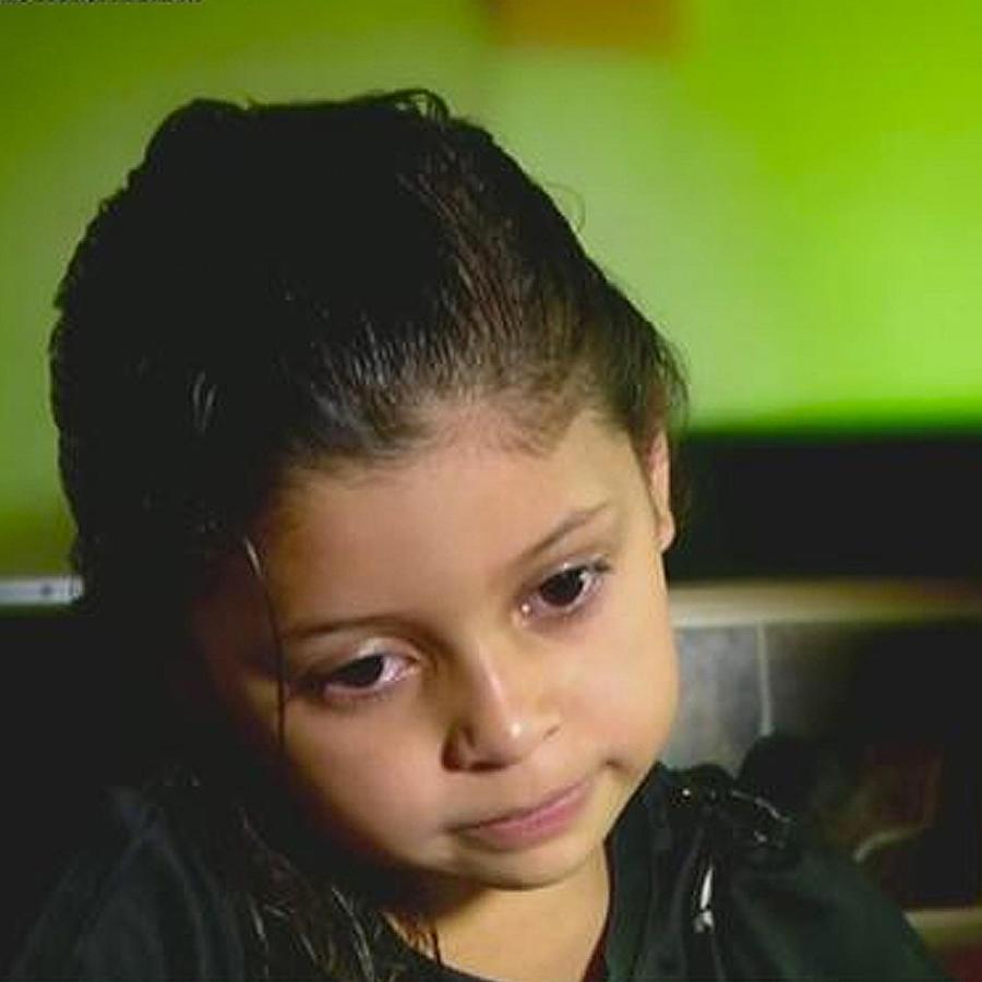 niña abandonada en la frontera