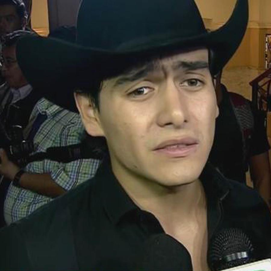 Julián Figueroa desmiente, critica y teme por su vida