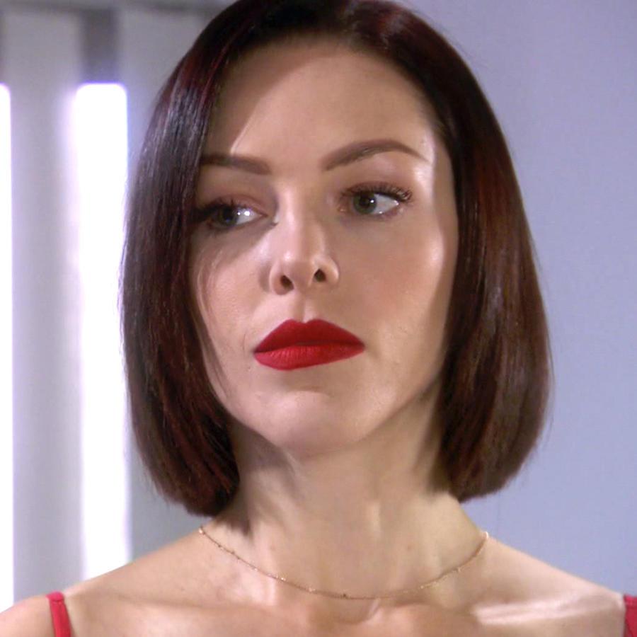 Erika de la Rosa se entera de la amante de Armando en Eva la Trailera