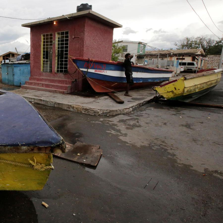 furia de huracan amenaza el caribe