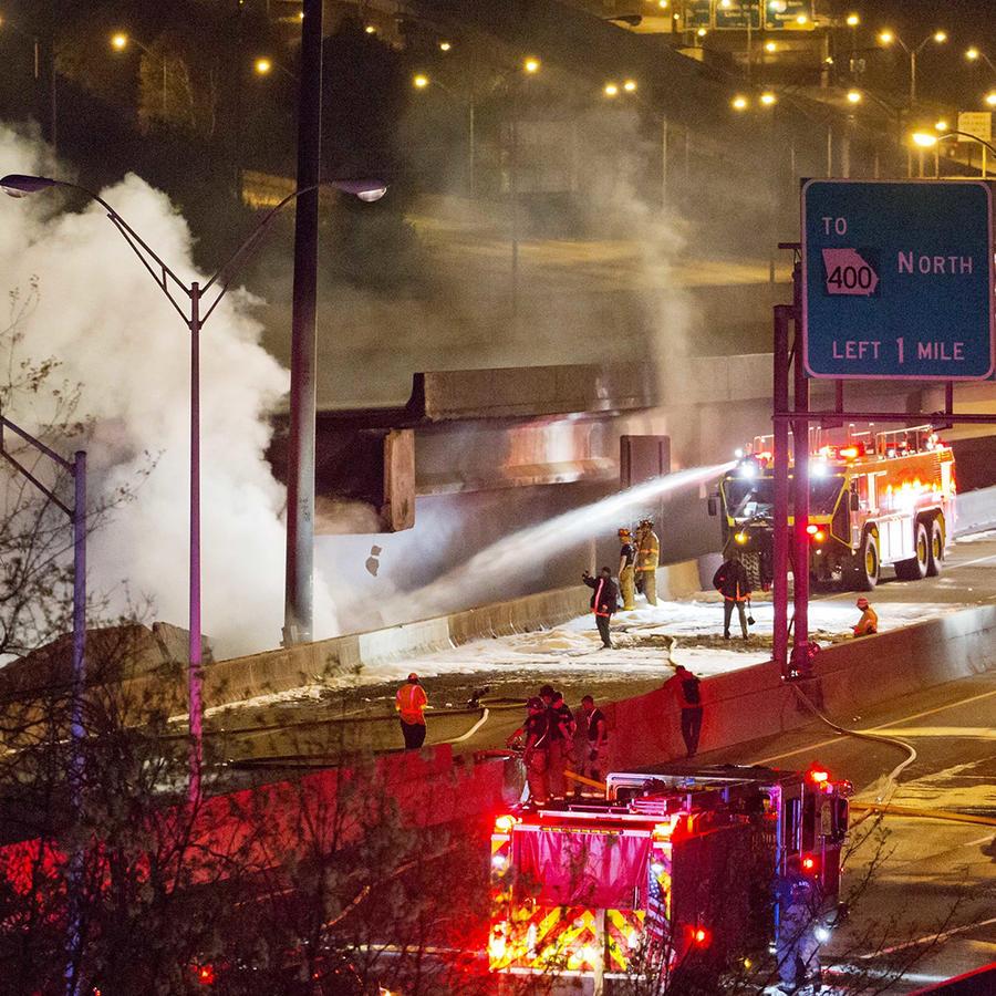 Detienen a supuestos responsables de colapso de autopista en Atlanta