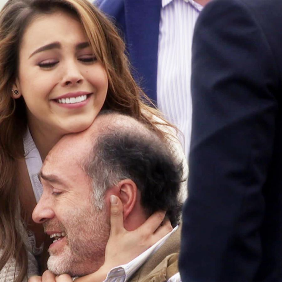 Danna Paola, Mónica, feliz, La Doña