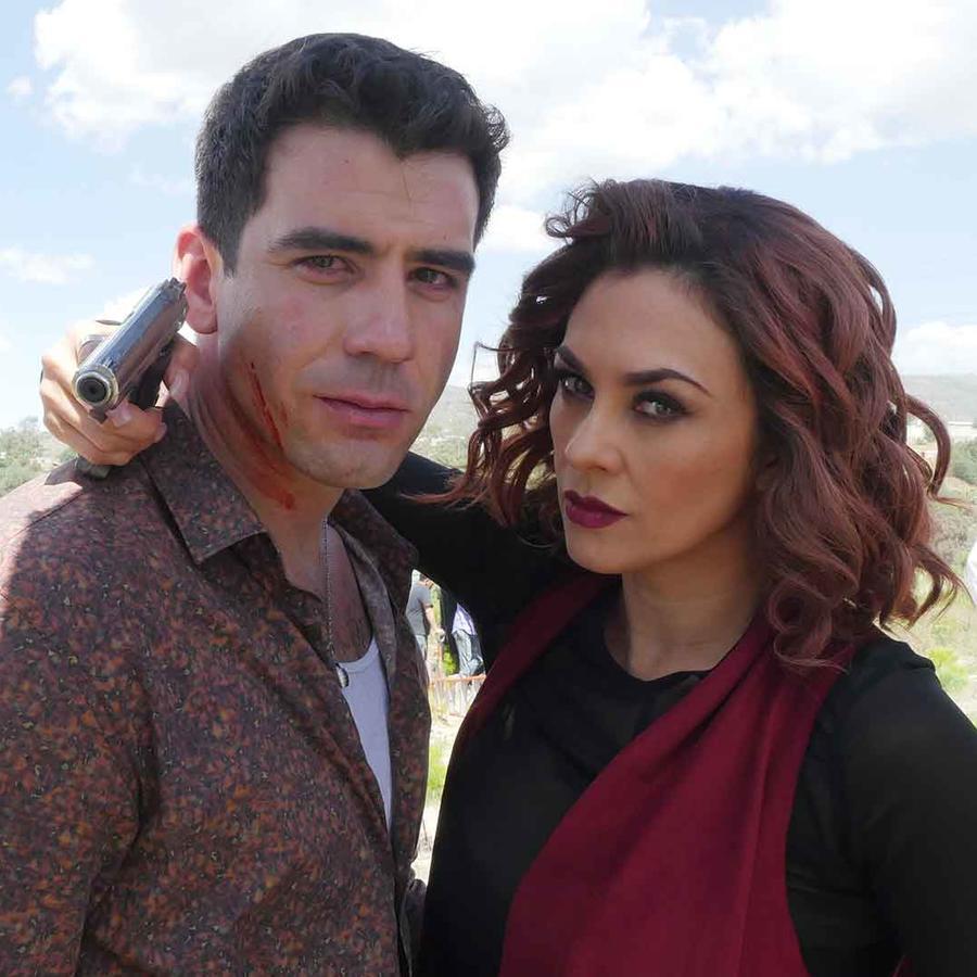 Aracely Arámbula y Roberto Quijano en La Doña