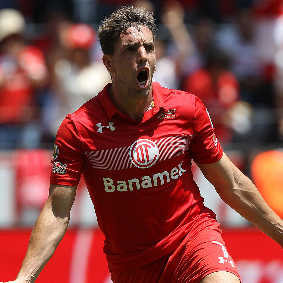 Toluca mantiene a raya a Monterrey y asegura su pase a finales