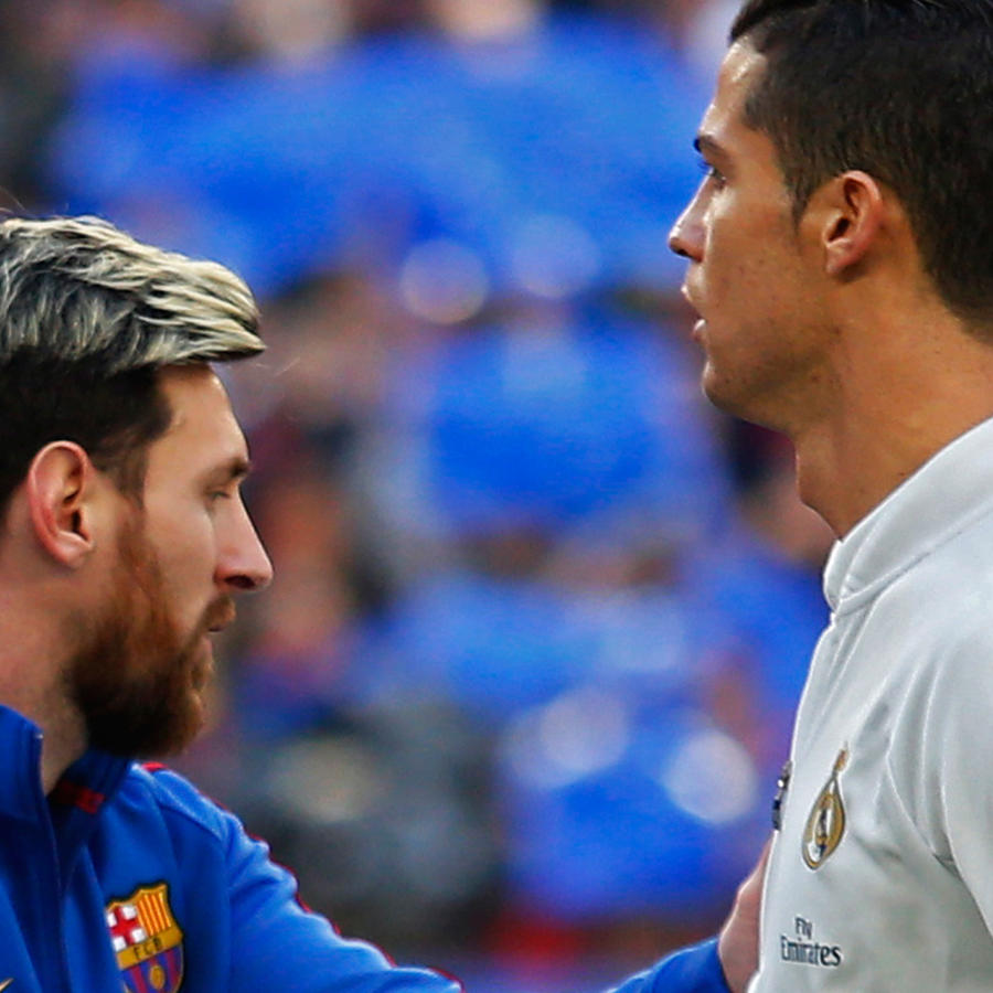 Messi y Ronaldo se saludan después de un partido el 3 de diciembre del 2016