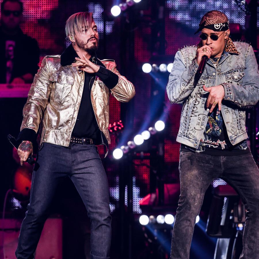 JBalvin y Bad Bunny en Premios Billboard 2017