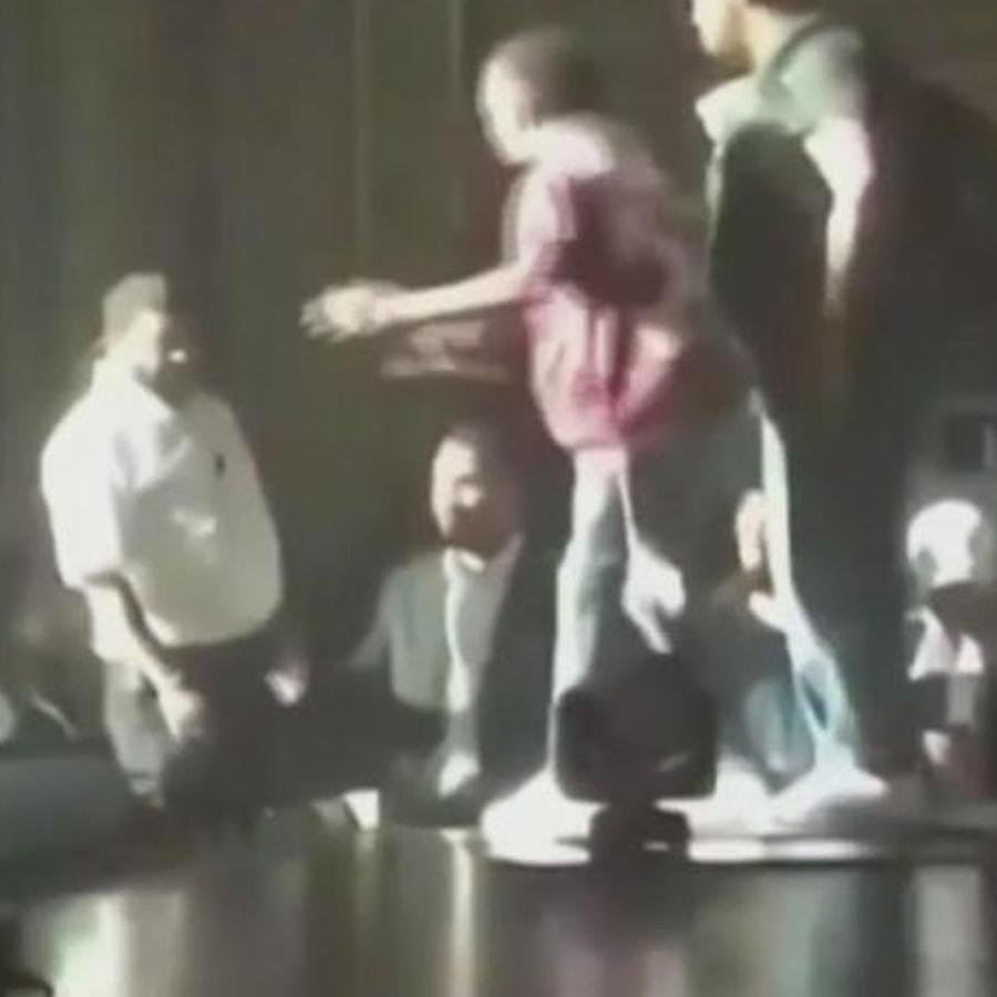 ozuna golpea a agente