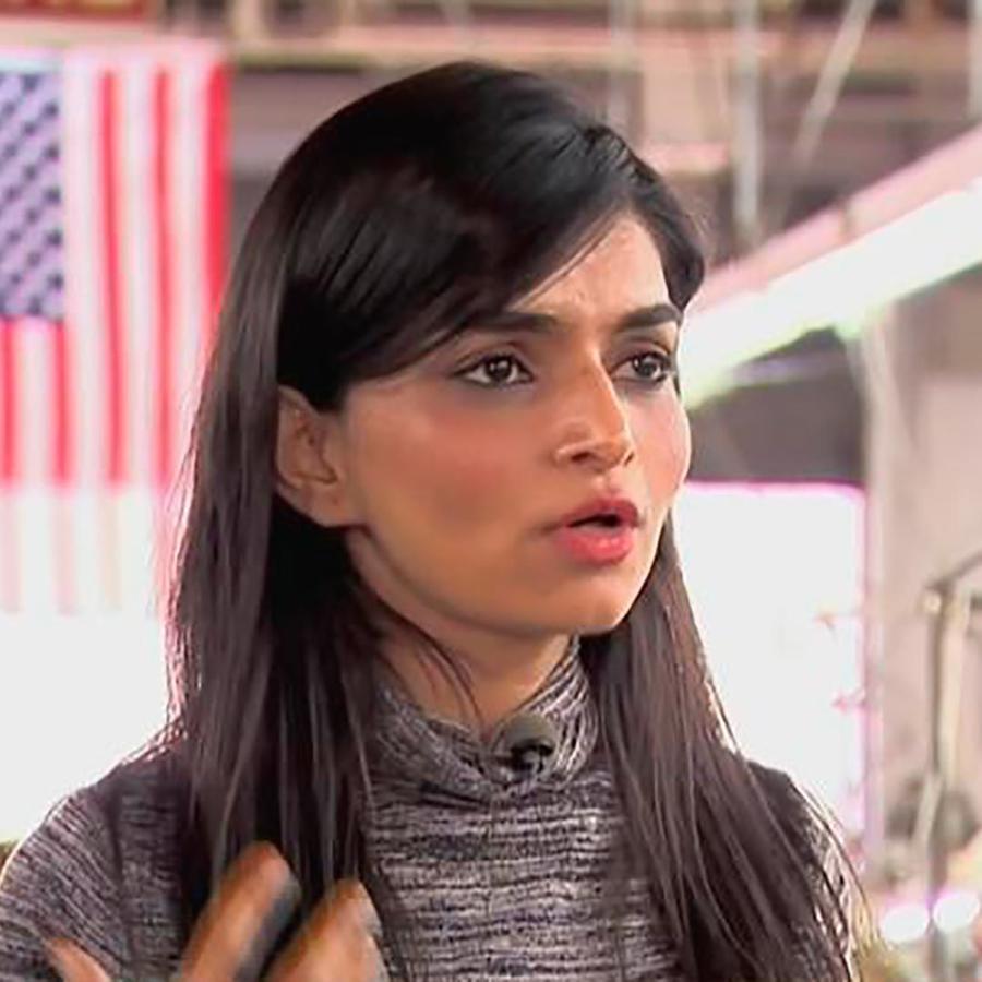 Una empresaria de la India ofrece más que un trabajo para miles de hispanos en Nueva Jersey