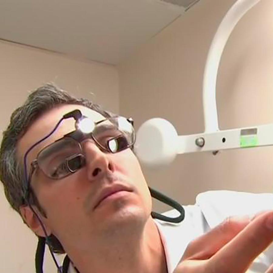 Riesgos y precauciones que debes tener antes de hacerte una cirugía estética en el exterior