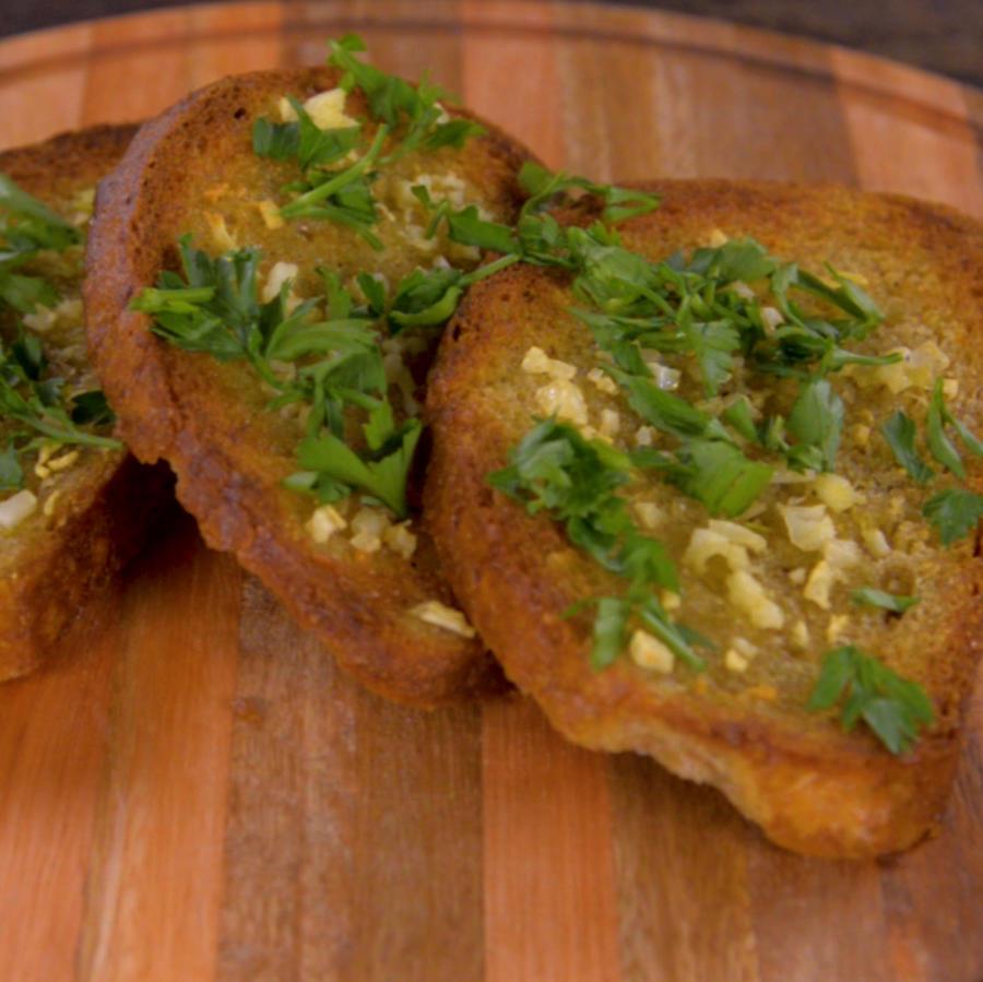 Receta: pan de ajo, un gran aliado de tu salud