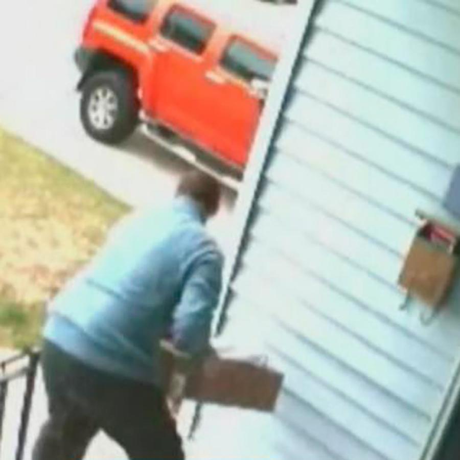 Descubre cómo puedes protegerte de los ladrones de paquetes de envíos que llegan a tu casa
