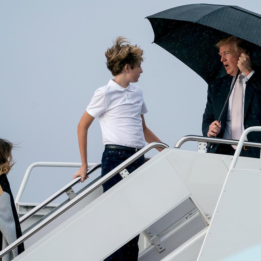 El presidente, la primera dama y su hijo parten de la Florida a D.C. el lunes 15 de enero del 2018