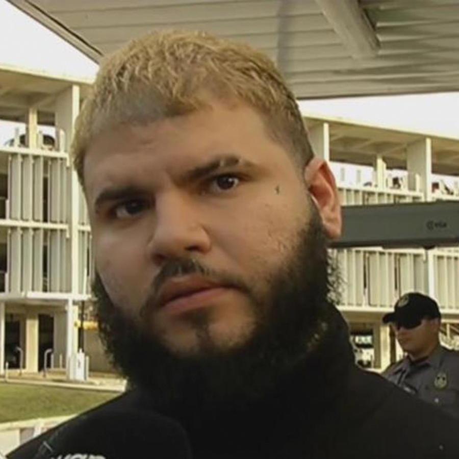 Arrestan al boxeador y luchador del UFC, Mc Gregor, por agredir un ómnibus con pasajeros