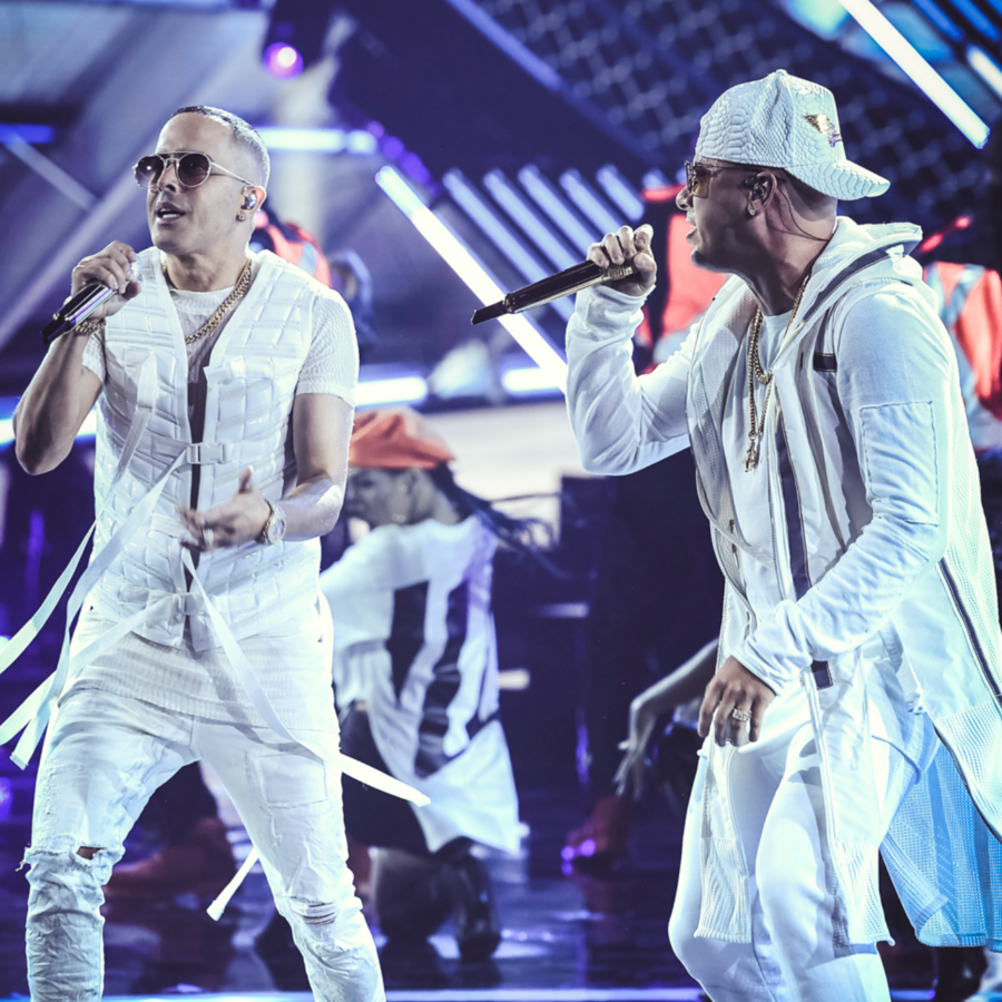 Wisin & Yandel en los Latin AMAs 2018