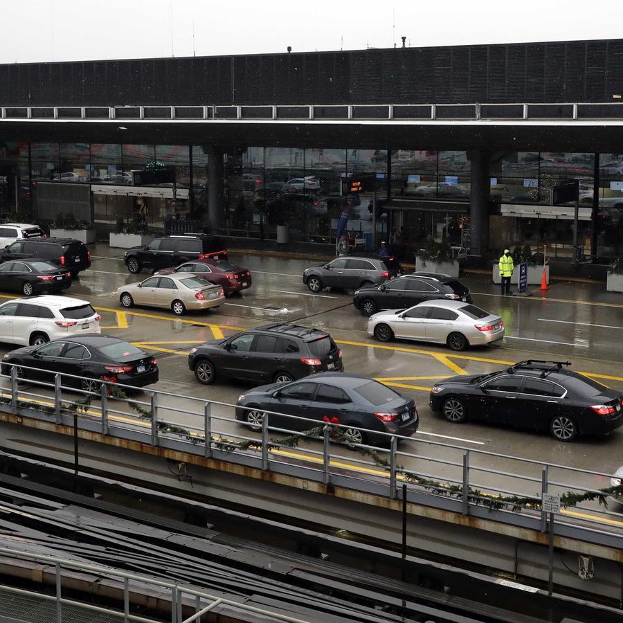 Foto de archivo de autos en el aeropuerto O'Hare International en Chicago