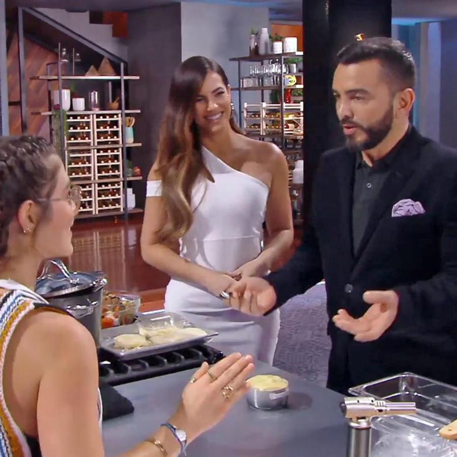Juan Manuel prueba las exquisitas sopas de cebolla