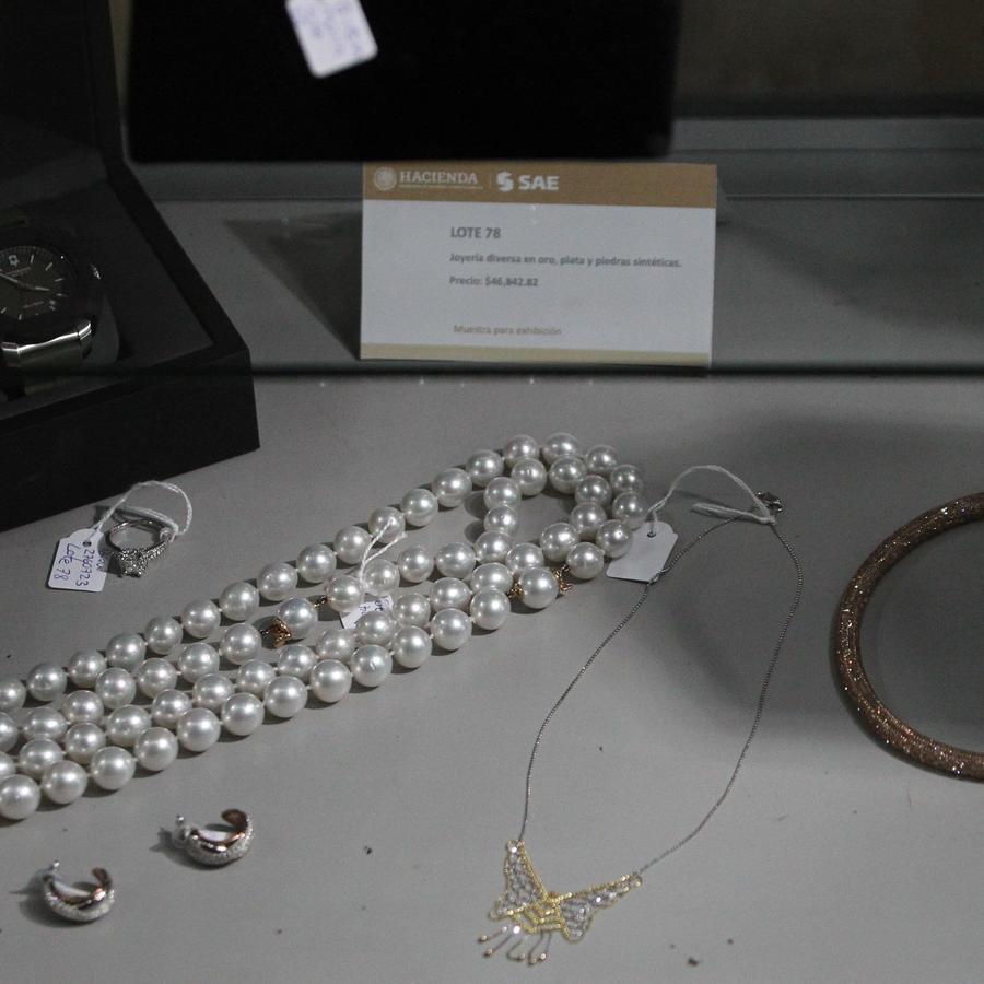 El gobierno de México subasta extravagantes joyas incautadas al narcotráfico