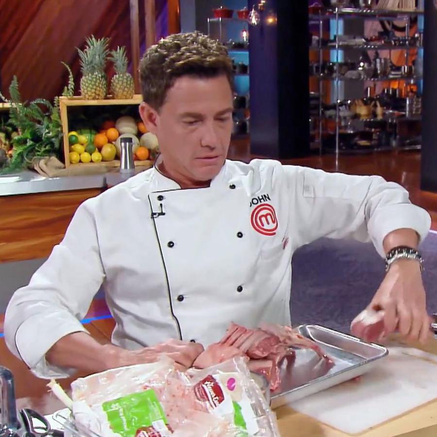 John Pardo cocina su plato principal en la gran final de MasterChef Latino 2