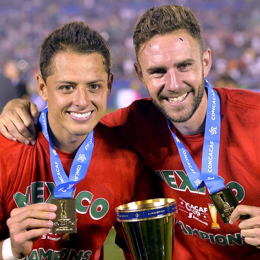 Chicharito y Miguel Layún