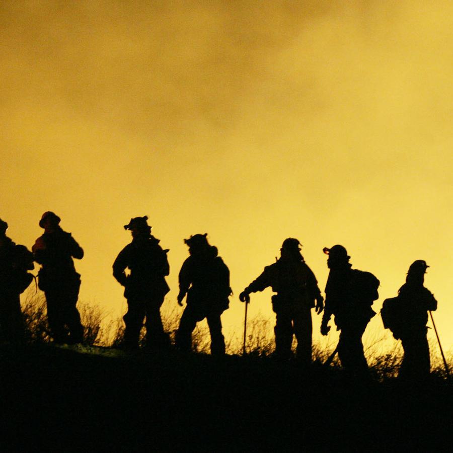 Imagen del incendio forestal en Calimesa, California.