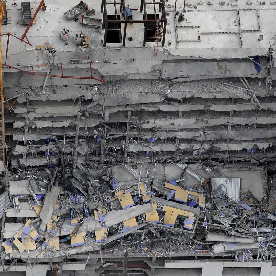 El derrumbe del hotel Hard Rock en Luisiana.