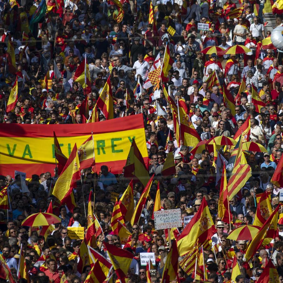 Marchan en Barcelona en contra del referendo catalán de independencia