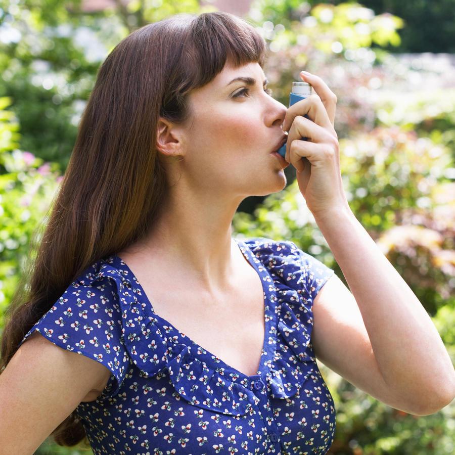 Mujer con asma