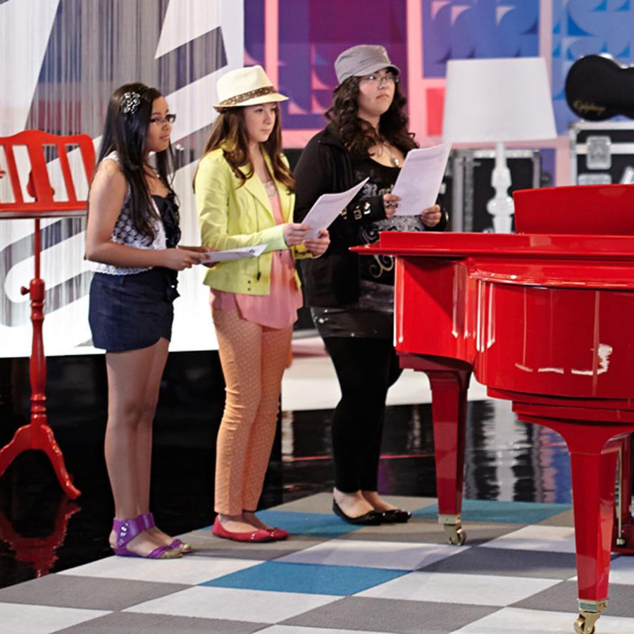 Montserrat, Kemily y Nicole en los ensayos de las batallas de La Voz Kids