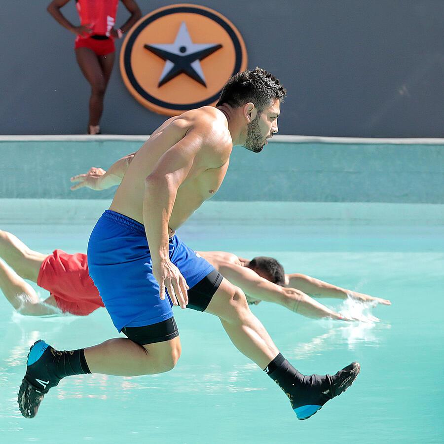 Isaiah en la piscina olímpica