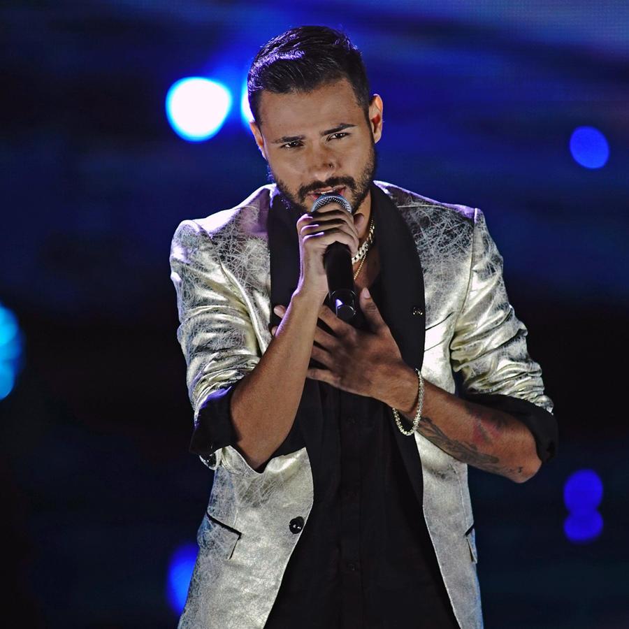 Isai Reyes en la semifinal de La Voz US 2