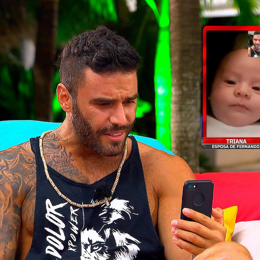 Lozada mira a su bebé en videollamada