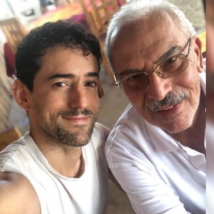Luis Gerardo Méndez con su papá